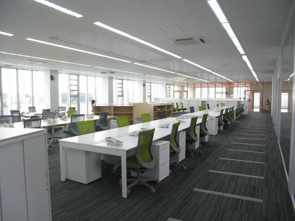 オフィスのレイアウト変更手順と必要な家具について