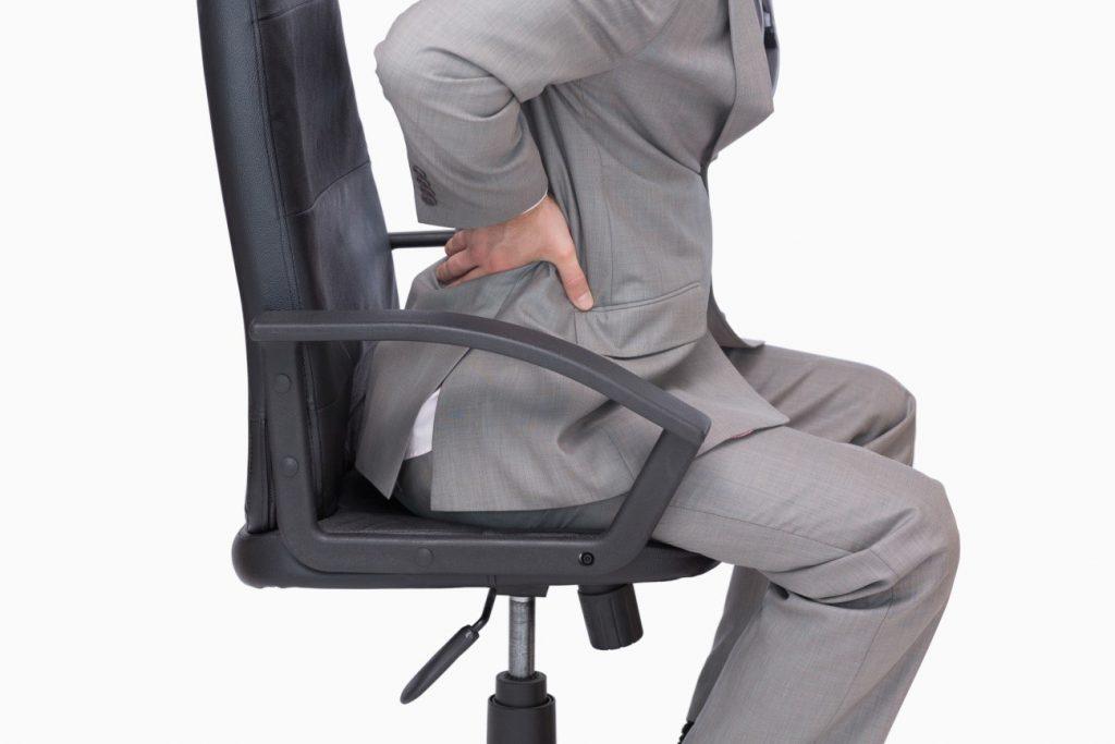 腰痛におすすめの椅子の高さや座り方