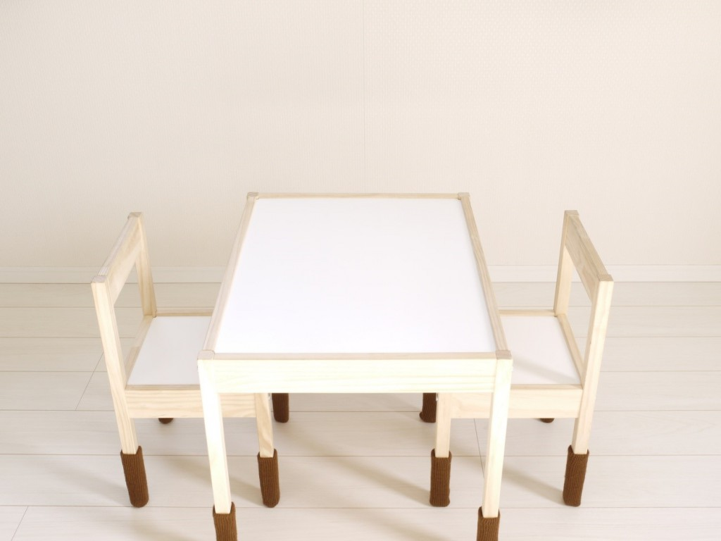 家具によるフローリングの傷を防止する方法とは