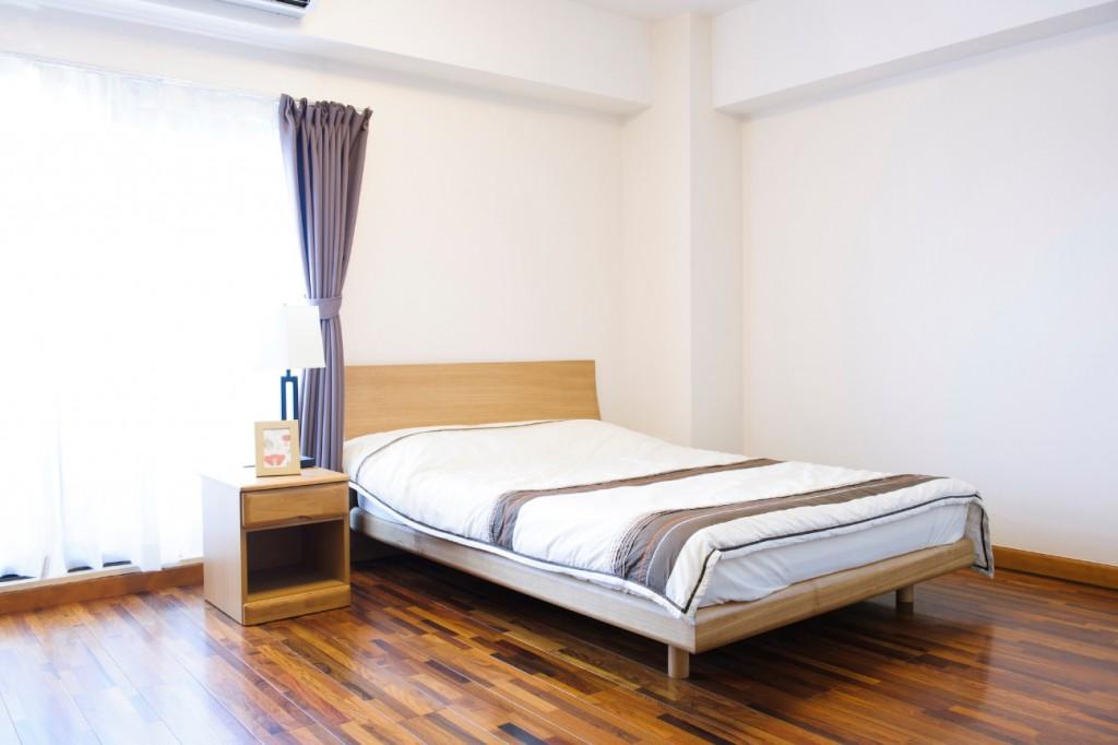 ベッドのきしみの原因と対策について