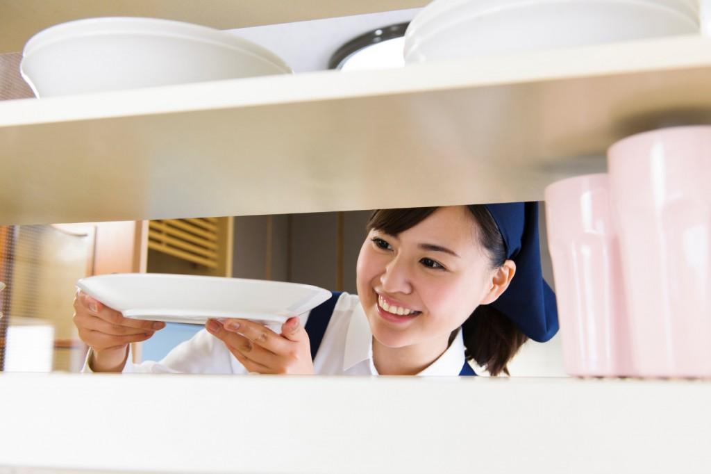 食器棚の掃除方法、洗剤は何を使う?