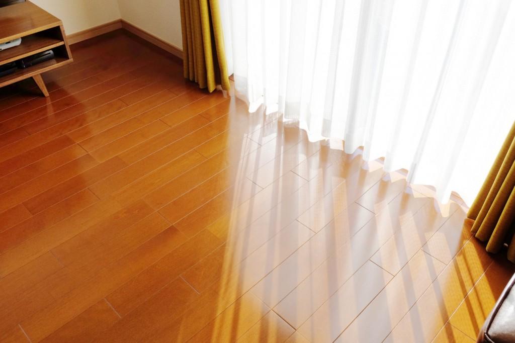 カーテンの長さは床につくべき?床からの高さは何センチ?
