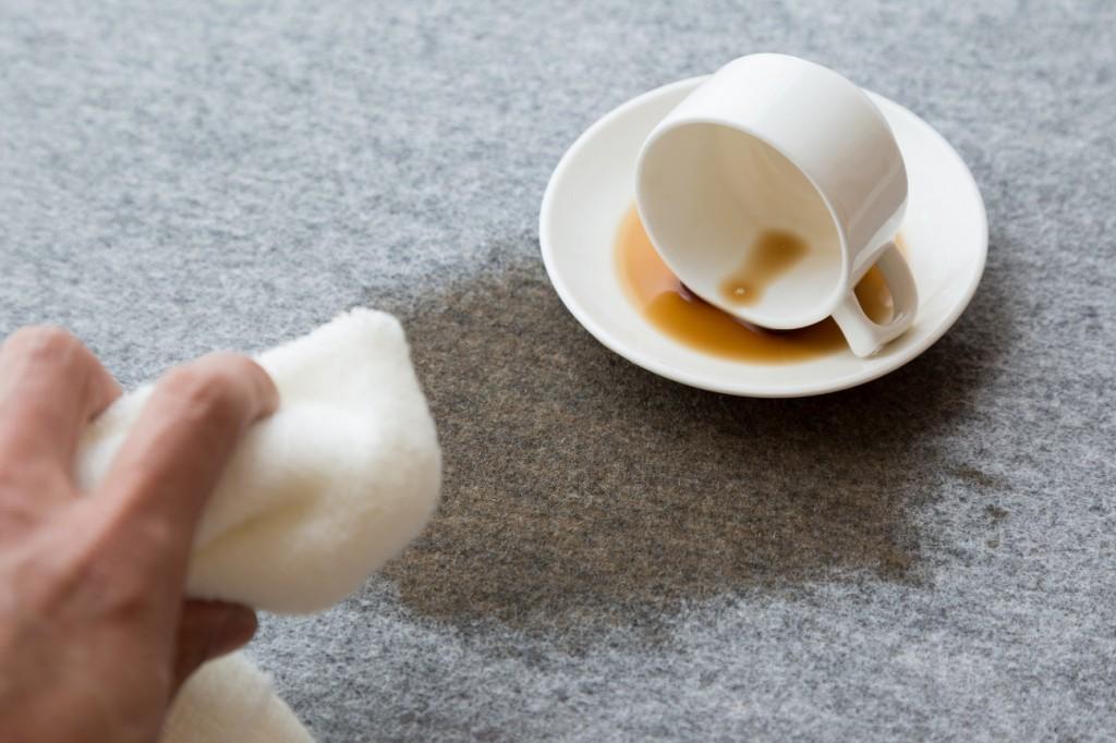 シミの種類別 カーペットの染み抜き方法(コーヒー・ワイン・チョコレート)