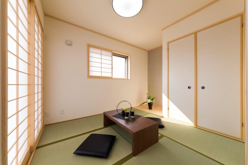 和室が落ち着く理由 ~和室でのライフスタイルについて~